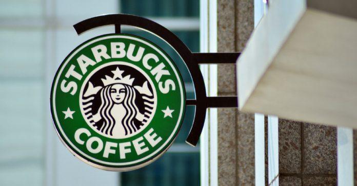 Starbucks Suspend Ses Publicités Sur Réseaux En Réponse Aux Discours De Haine