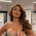 Kylie Jenner Change (encore) De Look: Maintenant Elle A Les