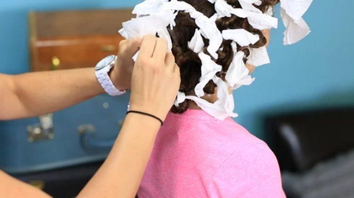 11 astuces pour avoir les cheveux bouclés facilement avec des articles ménagers