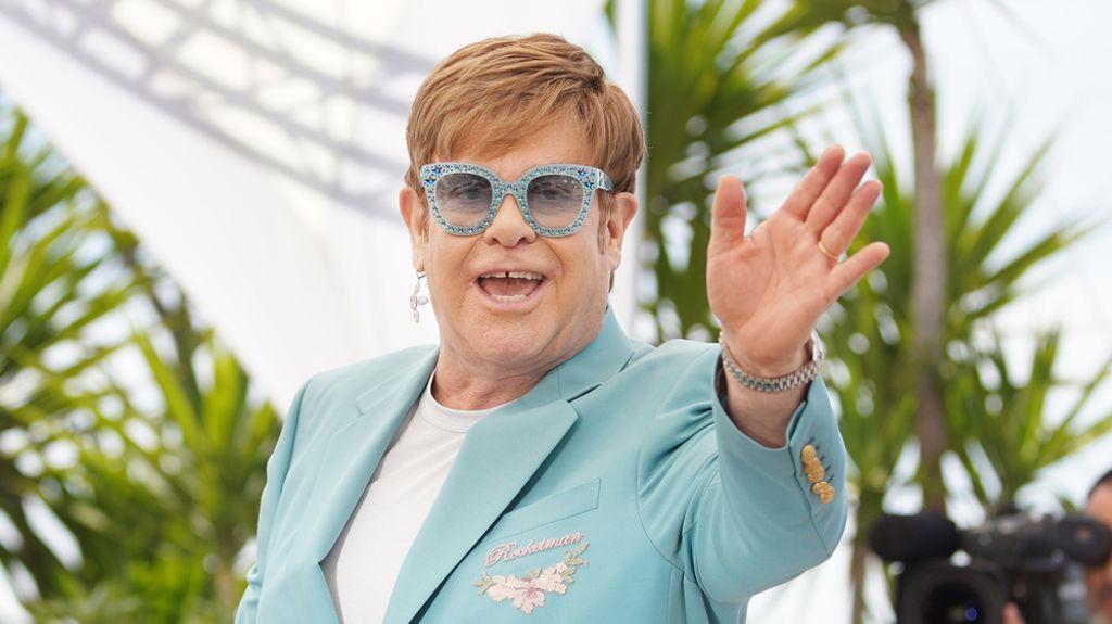 Elton John Célèbre Trois Décennies Sans Alcool