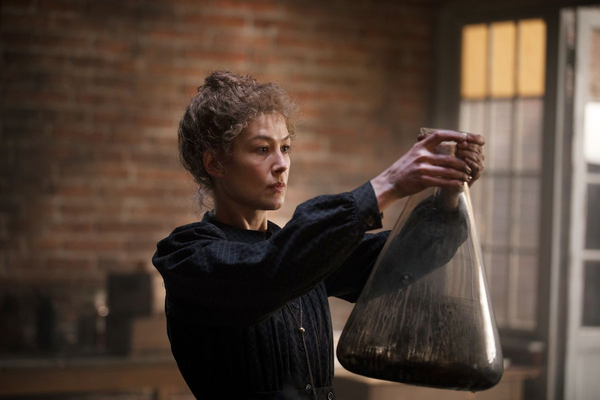 rosamund pike comme marie curie