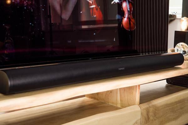 Sonos Arc à L'épreuve: Home Cinéma Dans Un Bar