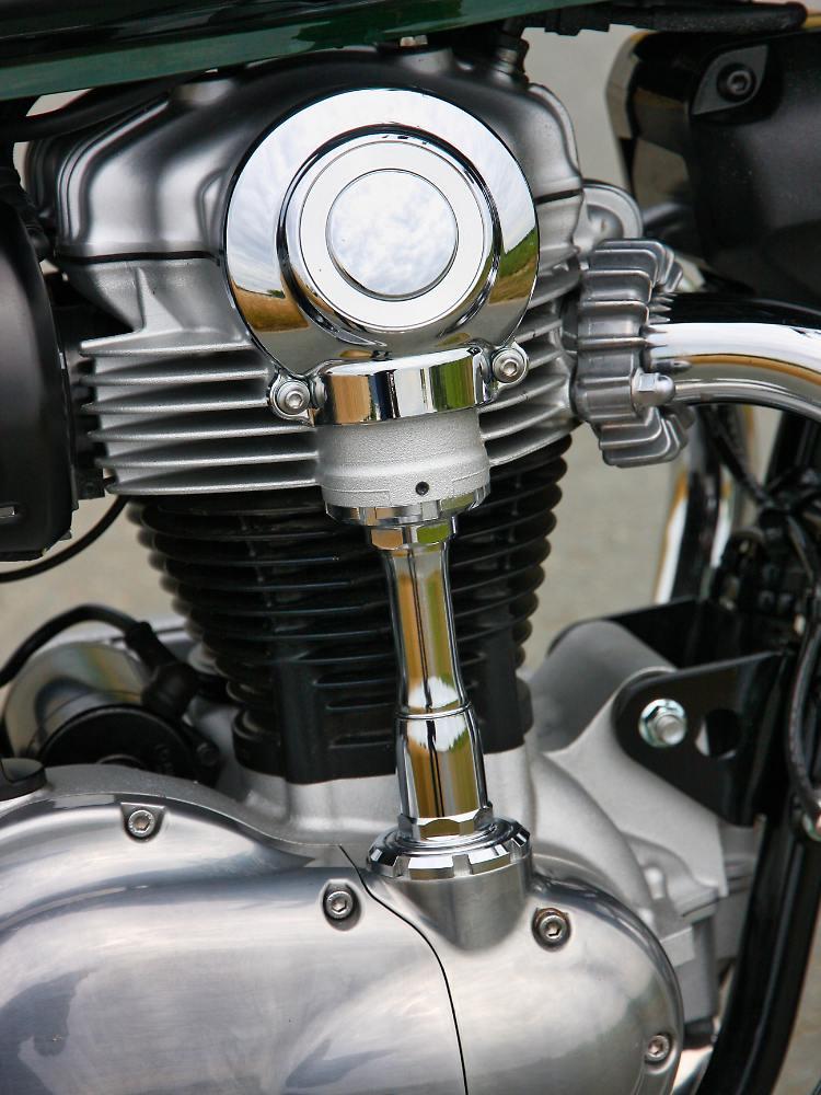 Kawasaki_W800_RKM-Foto-9.jpeg
