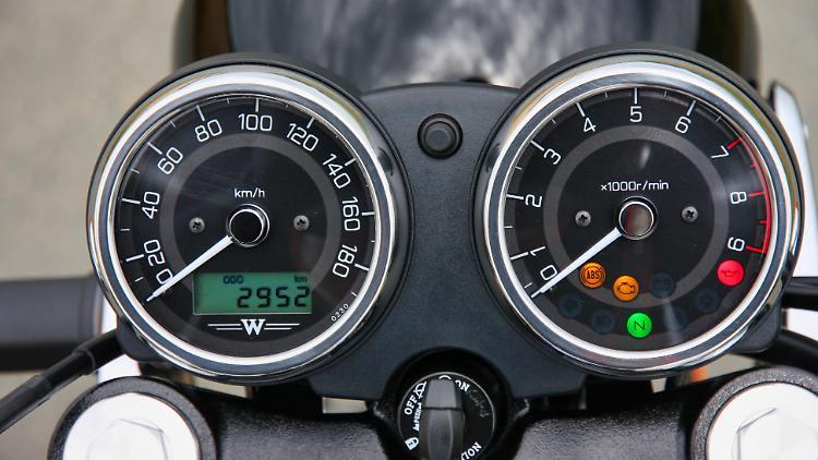 Kawasaki_W800_RKM-Foto-11.jpeg