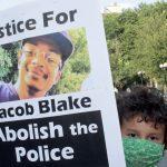 Violence Policière Au Wisconsin: Un Homme Blessé Avait Un Couteau