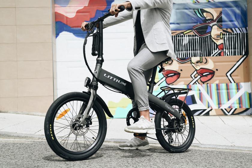 Littium Ibiza Titanium: le nouveau vélo électrique pliant de la firme espagnole promet 100 kilomètres d'autonomie et de recharge rapide
