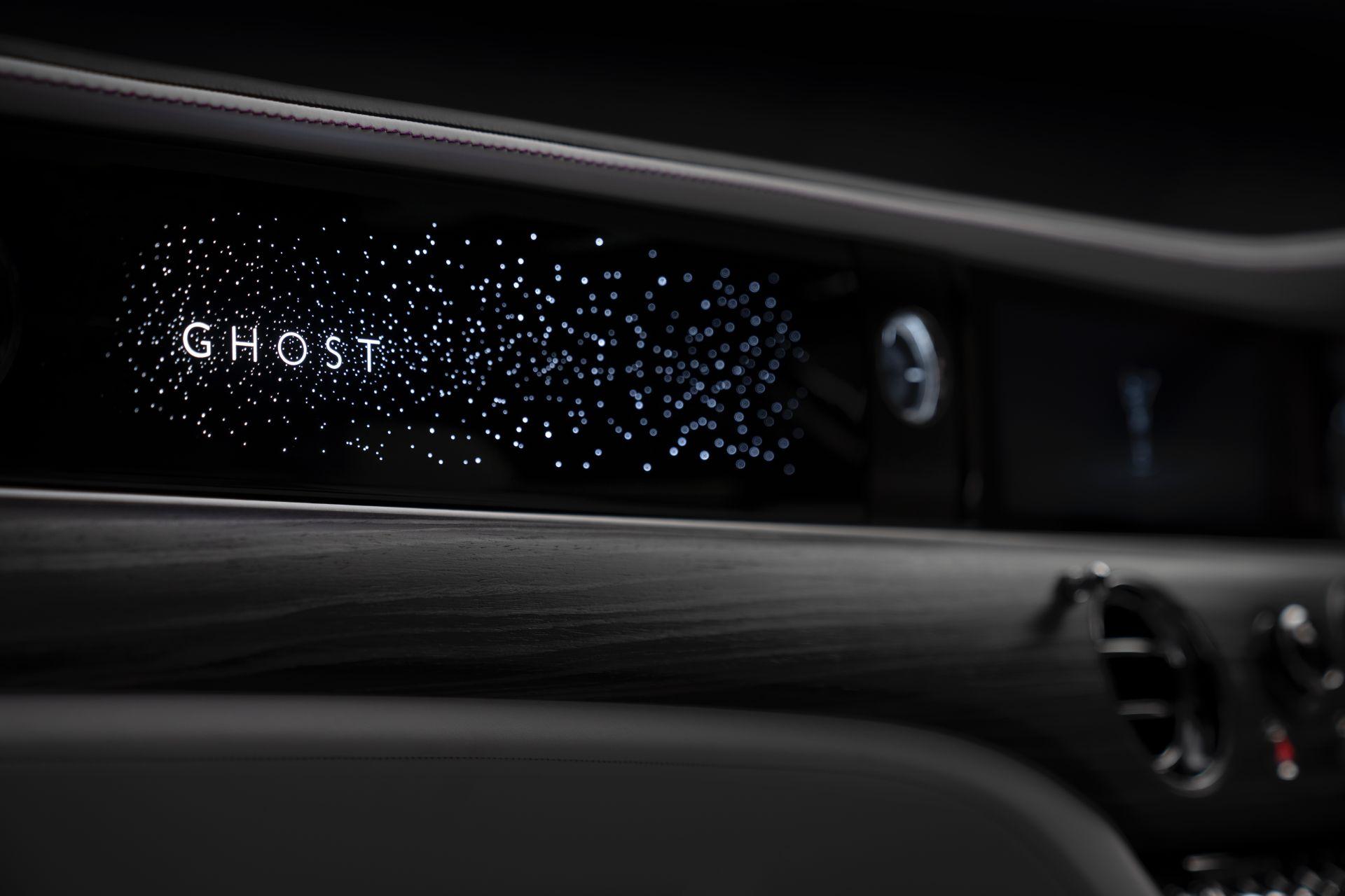 Panneau lumineux Rolls-Royce Ghost 2021