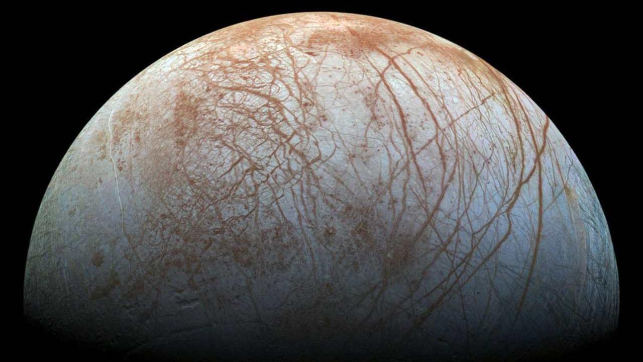 Des Changements Massifs Sur La Lune De Jupiter Europa Parmi