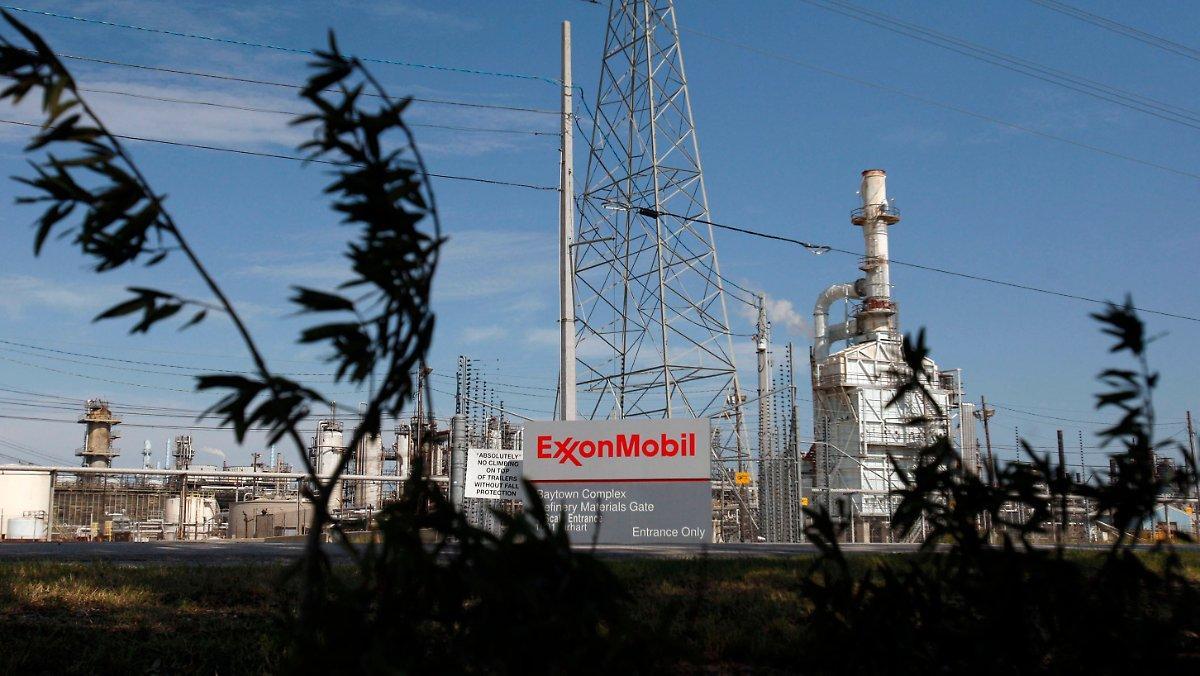 Exxon Mobil Doit Céder La Place: Le Géant Pétrolier Sort