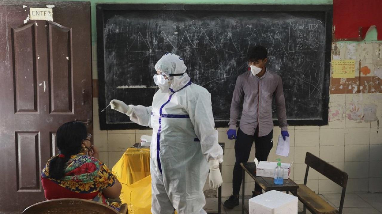 Les cas confirmés de réinfection du COVID19 à Hong Kong UE Inde ne changent pas l'agenda des vaccins selon les experts