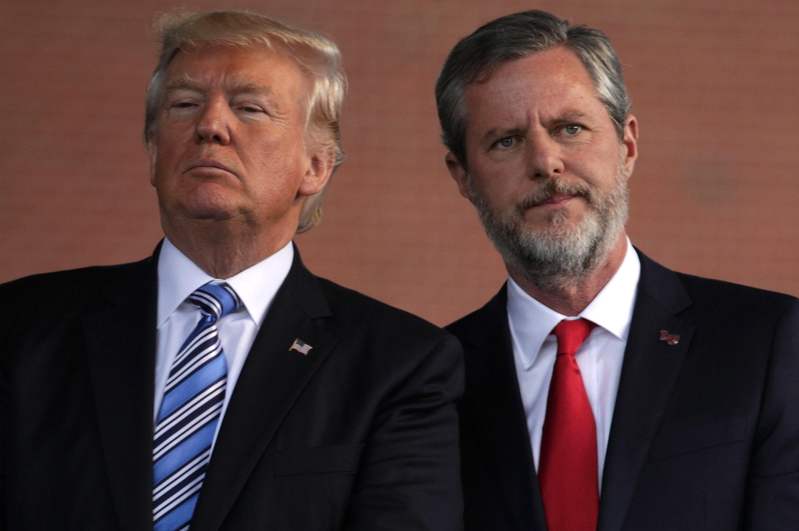 Le président américain Donald Trump et Jerry Falwell
