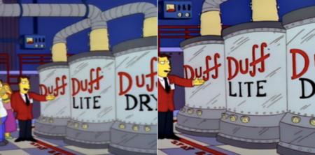 Les Simpsons sur Disney +.  Version originale à gauche, version qui a atteint la plate-forme à droite (déjà corrigée).