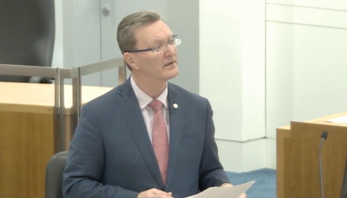 Le projet de loi a été défendu par le procureur général d'ACT, Gordon Ramsay, qui est également ministre de l'Église unificatrice d'Australie.