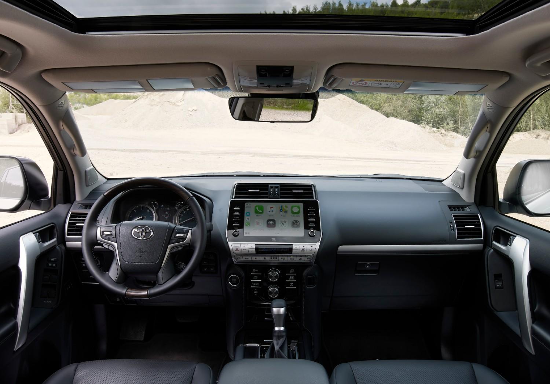 Le Land Cruiser mis à jour a également reçu une mise à jour des finitions et de la technologie