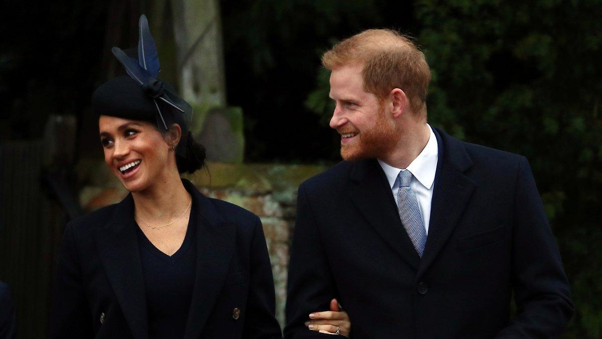 Beaucoup D'excitation Pour Les Ex Royals: Les Voisins Sont Agacés Par