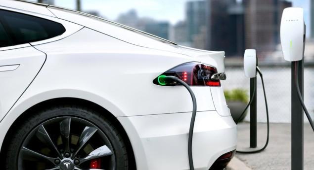 Après Les Voitures, L'électricité. Tesla Peut Désormais Commercialiser De L'énergie