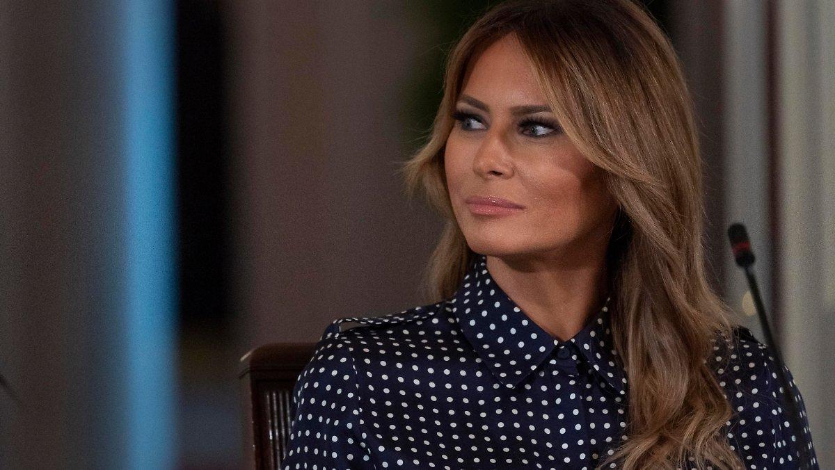 """""""temps Très Dangereux"""": Melania Trump Défend Son Mari"""