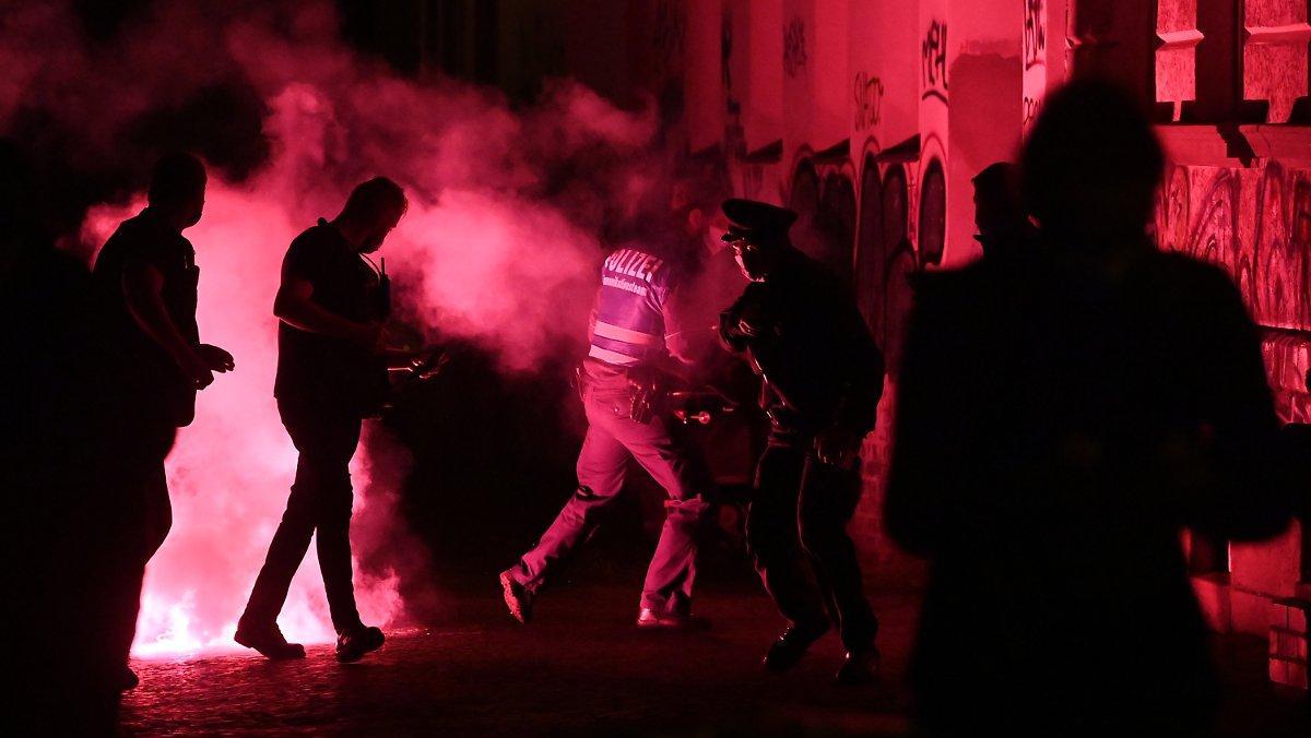 Encore Une Fois La Violence à La Démo: Leipzig A
