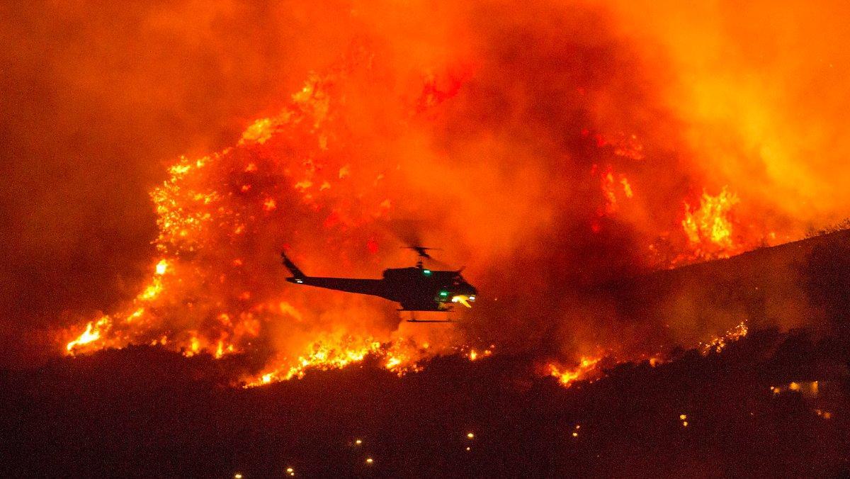 Menacée Par Un Incendie En Californie: L'armée Sauve 200 Campeurs