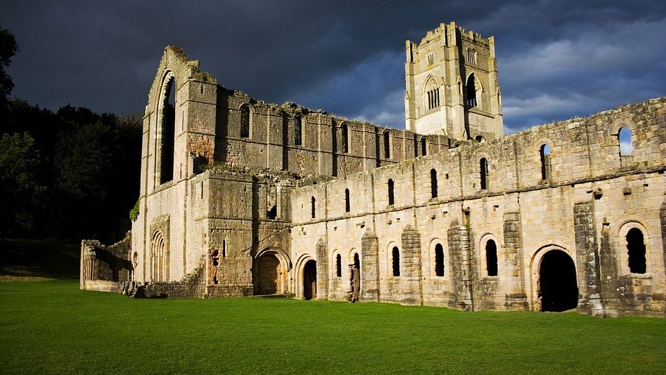 La série Witcher Fountains Abbey Kaer Morhen