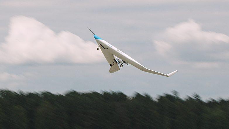 Flying V, L'avion Qui Transporte Des Passagers Dans Les Ailes, A