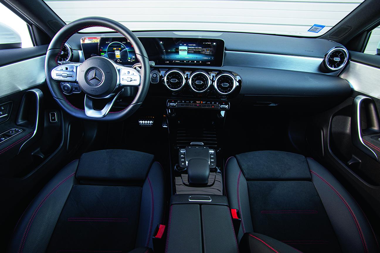 Intérieur de la Mercedes A 250 e