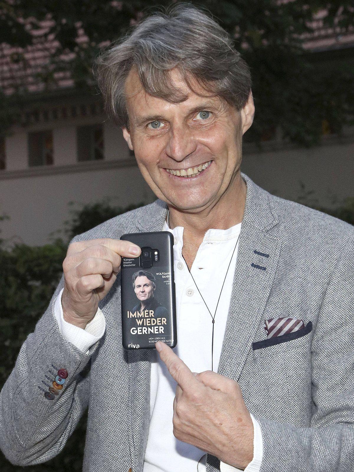 Wolfgang Bahro fête ses 60 ans: le méchant de la nation déballe
