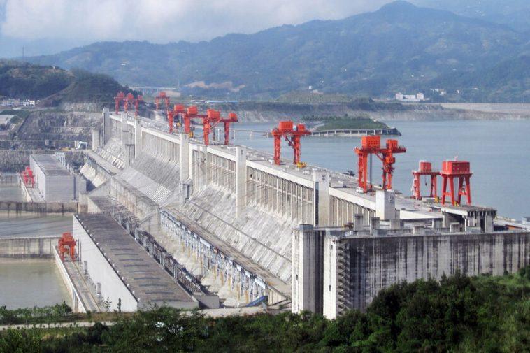 Le barrage des Trois Gorges: un monstre hydroélectrique situé en Chine et la plus grande centrale électrique du monde