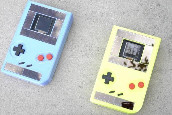 Cette Game Boy Fonctionne Sans Piles Mais Il Y