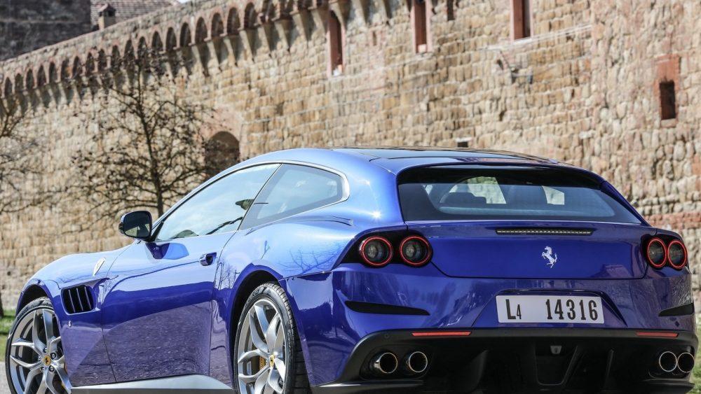 Ferrari Enterre Gtc4lusso Pour Parier Sur Purosangue