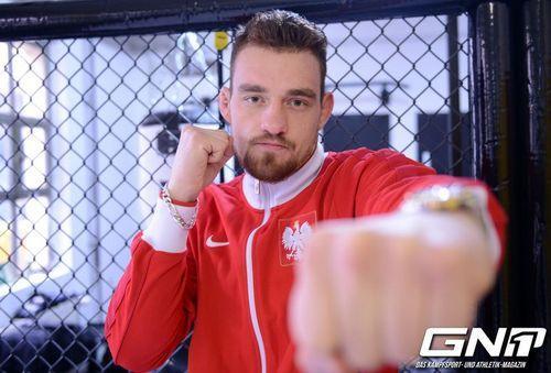 Gmc Fight Night: Marcel Grabinski Atteint Le Titre Intérimaire Des
