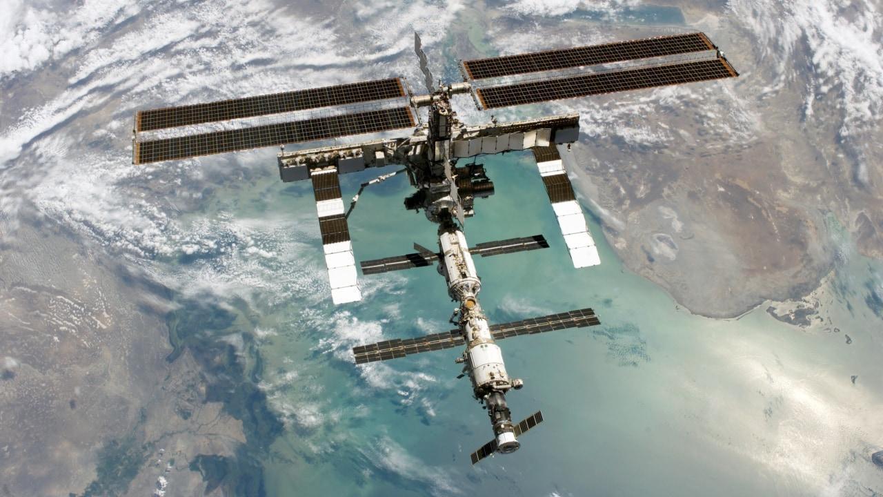 La Station spatiale internationale fait une manœuvre pour éviter une collision avec des débris spatiaux