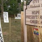 Les Signes De La Fierté De L'Église Et De La