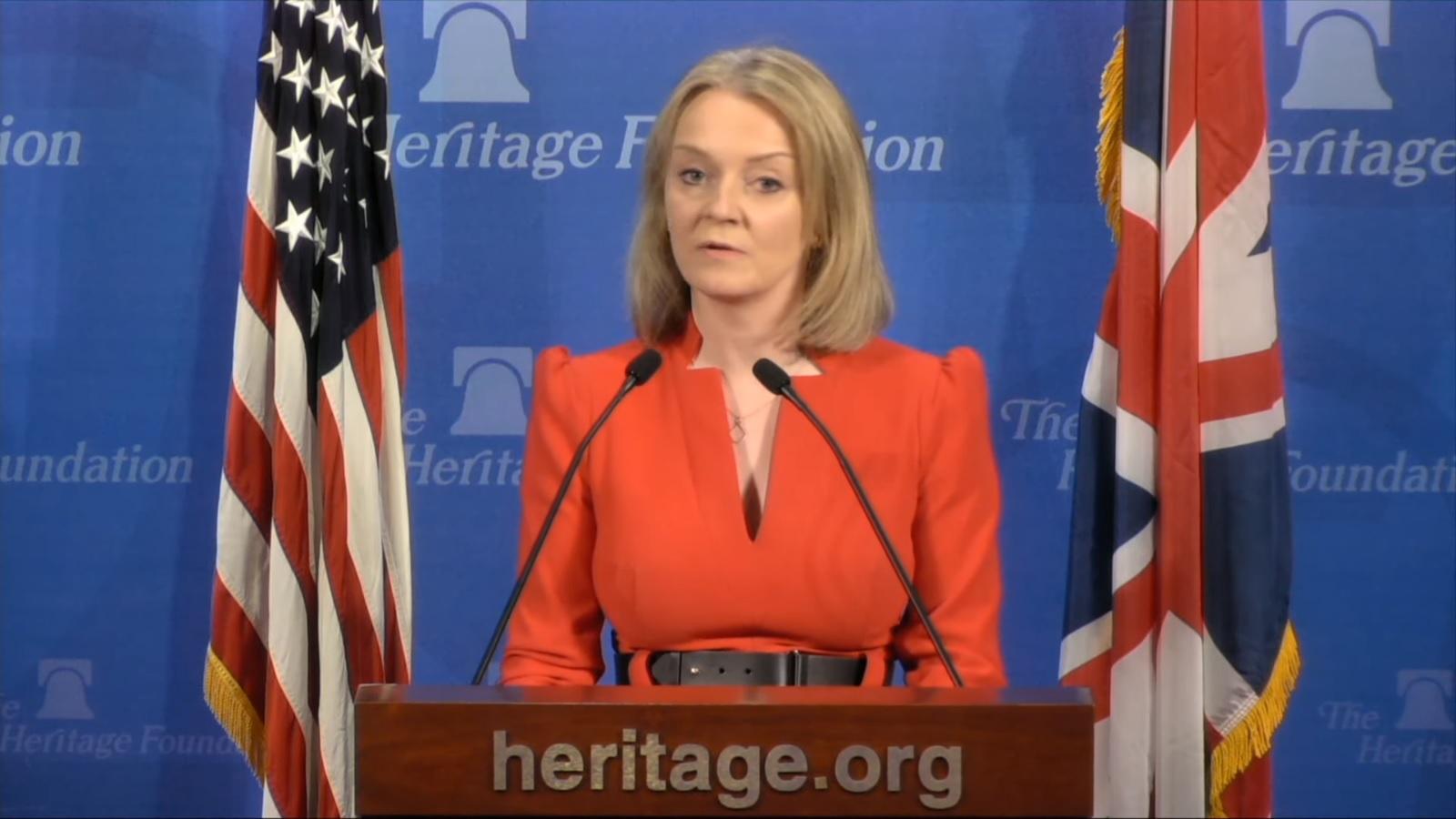 Liz Truss a fait l'éloge de la Heritage Foundation, le groupe de lobbying conservateur américain qui a mené des efforts pour saper les droits des LGBT +.