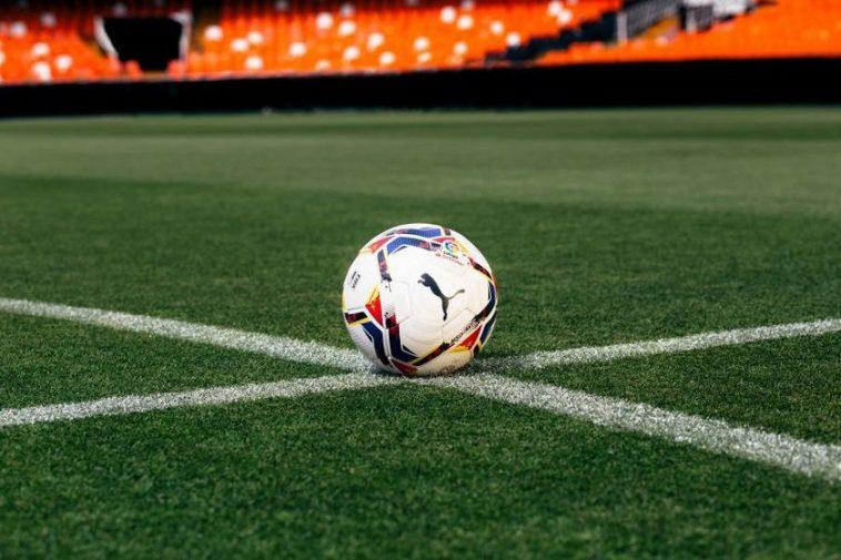 Où regarder le football cette saison 2020/2021: ce sont les plateformes, les chaînes et les prix finaux de toutes les compétitions