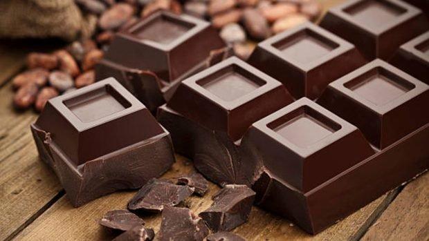 Recette de génoise au chocolat sans sucre et sans gluten