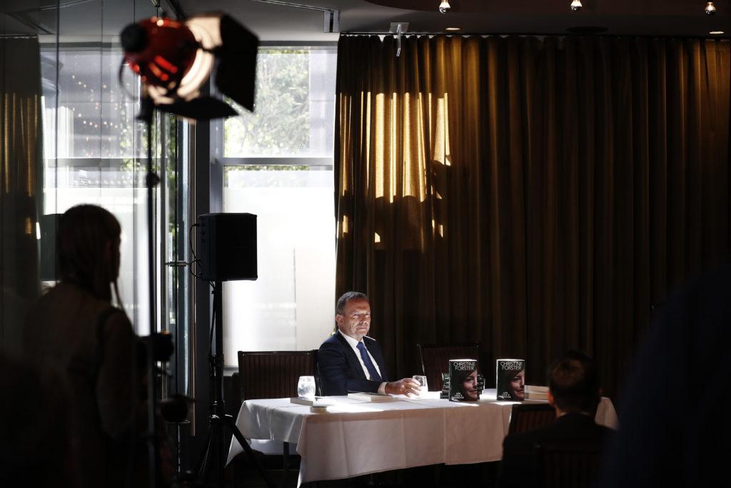 Les projets de nomination de l'ancien Premier ministre australien Tony Abbott à un poste de conseiller commercial de premier plan ont ébranlé les militants LGBT +.  (Ryan Pierse / Getty Images)