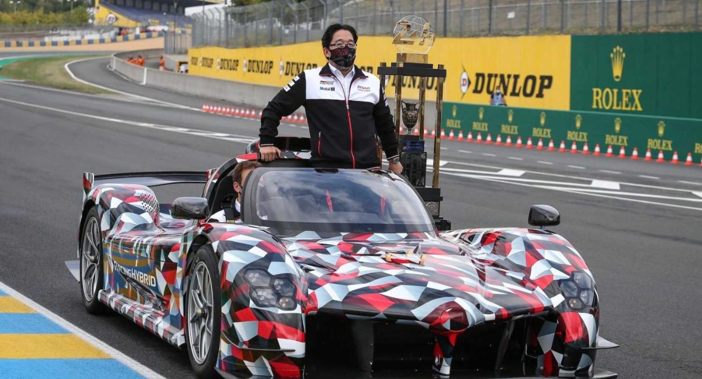Le Toyota GR Super Sport sur le tour de consécration de Toyota aux 24 Heures du Mans 2020