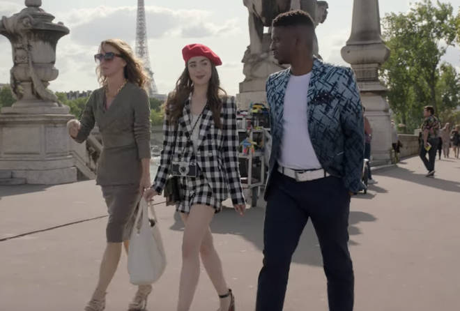 Où acheter: Costume vichy noir et blanc Emily in Paris