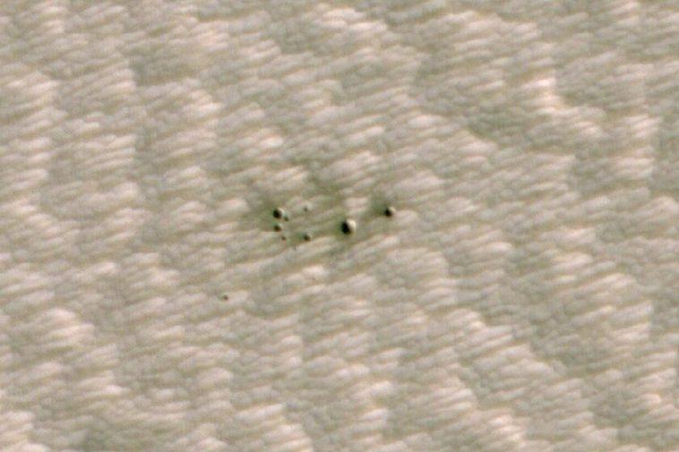 Une IA qui a scanné des images de Mars a trouvé des cratères qui n'ont pas été détectés par les astronomes