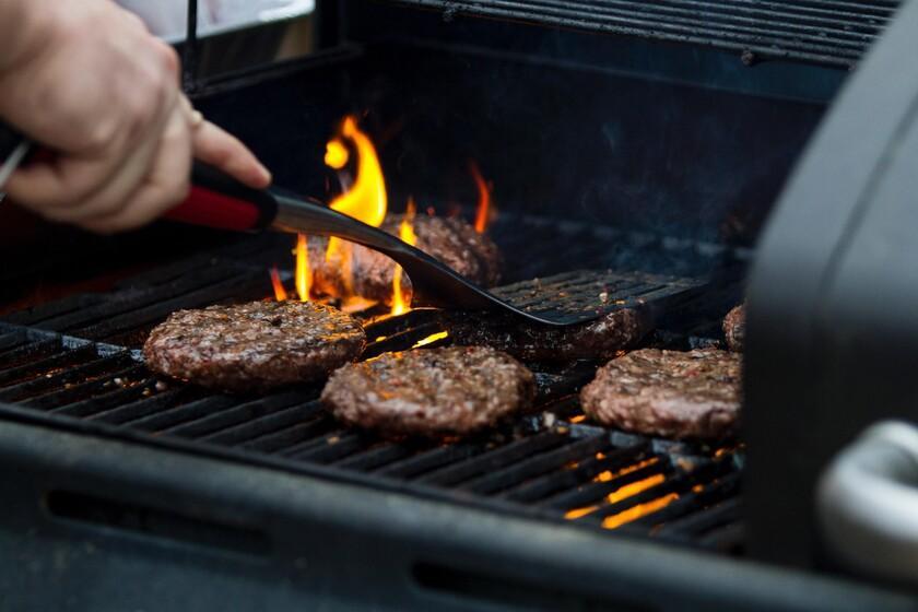 """Il ressemble, goûte et sent comme un hamburger, mais il faut l'appeler """"disque de légumes"""": le Parlement européen décide de l'avenir (terminologique) de la fausse viande"""