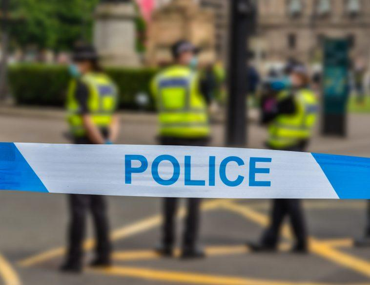 La Police Du Hampshire `` Surprise En Utilisant Des Insultes