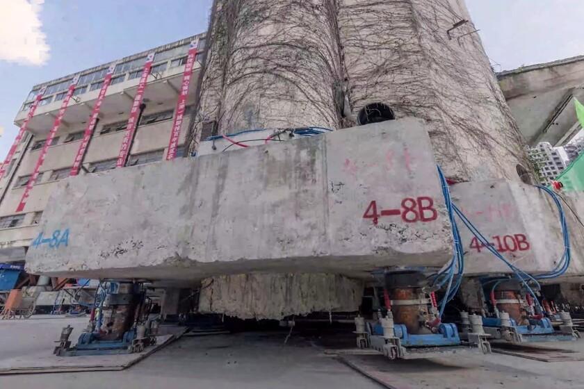 La Chine utilise 198 jambes robotiques pour «marcher» et déplacer un bâtiment historique de 7 600 tonnes