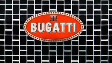 Voiture De Course En Route? Bugatti Montre Un Nouveau Teaser