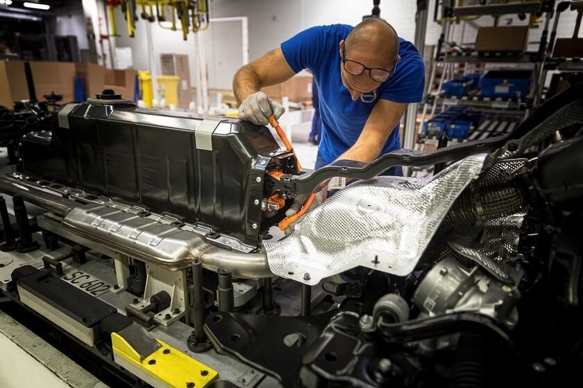 Le paradoxe de la voiture électrique `` verte '': le nickel vole la vedette au cobalt, et ce n'est pas forcément une bonne chose