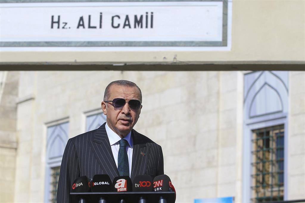 La Turquie Condamne La Couverture Du Nouveau Numéro Du Magazine