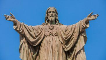 Les Groupes Chrétiens Ont Dépensé Des Millions En `` Argent