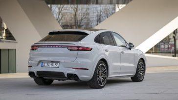Porsche. Le Cayenne E Hybrid Gagne En Autonomie électrique