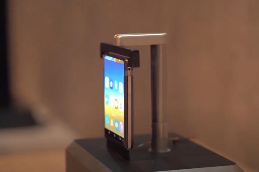 Les premiers téléphones à écran enroulable de TCL apparaissent sur la vidéo et fonctionnent