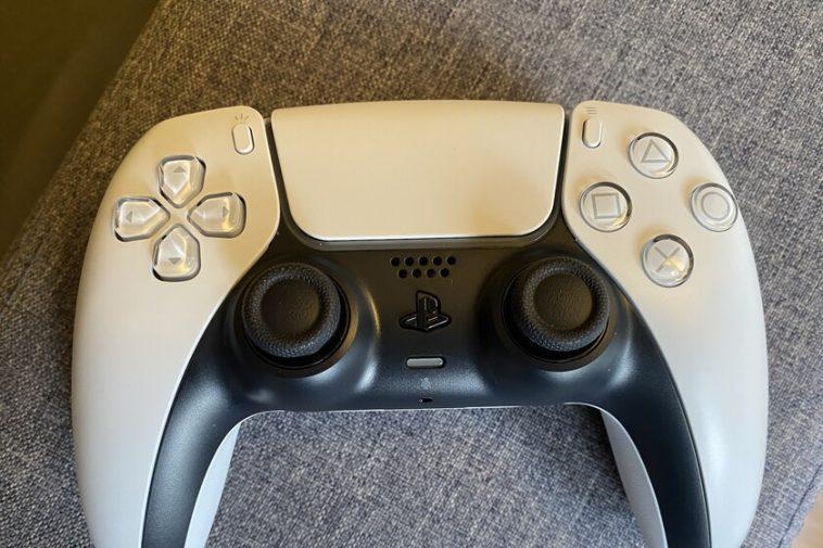 Après l'avoir testé pendant quelques heures, la PS5 DualSense s'est avérée être une vraie surprise